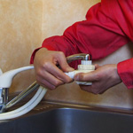 浄水器・食洗器の取り付け作業